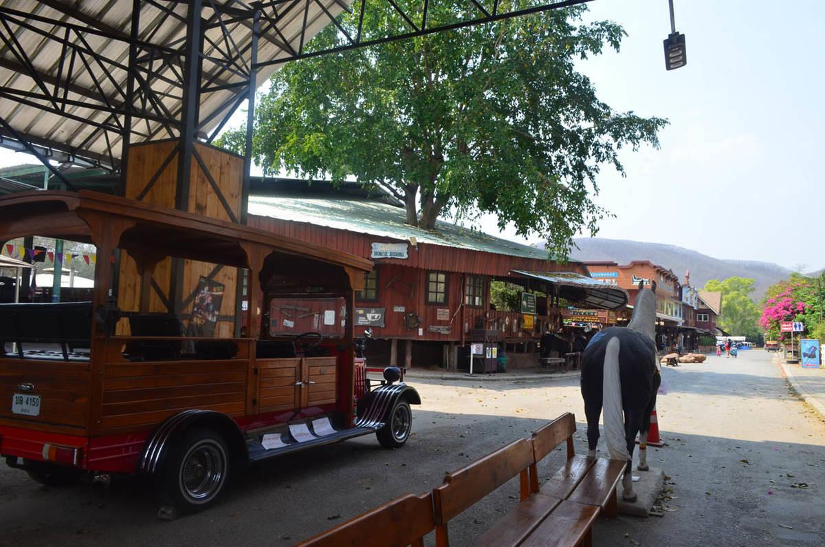 カオヤイの通園地 トンソンブーン・クラブの紹介
