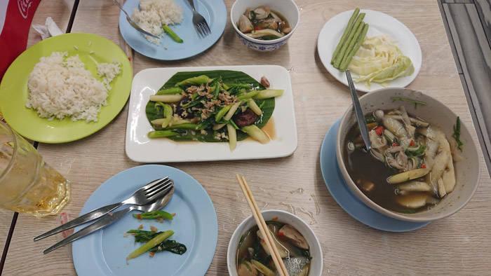 バンコク シーロムの人気タイ料理店hai