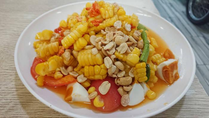 バンコク サラデーンのタイ料理店 HAI