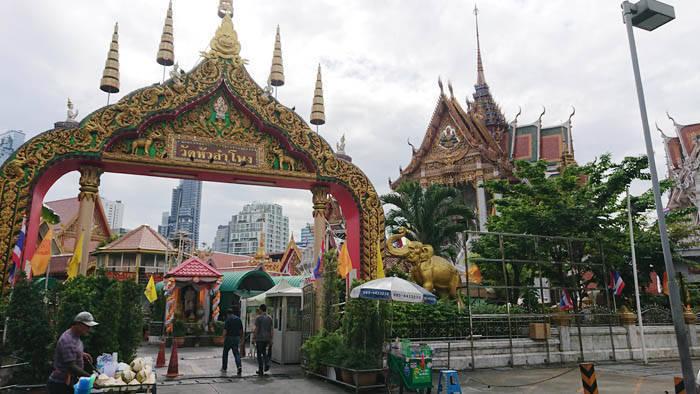 バンコクのお寺 ワットフアランポーン