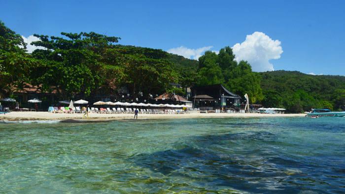 タイ・サメット島のビーチ