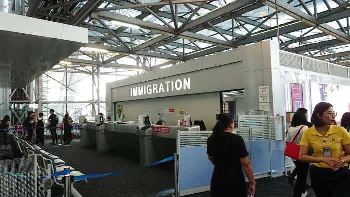 スワンナプーム国際空港でオーバーステイの手続き