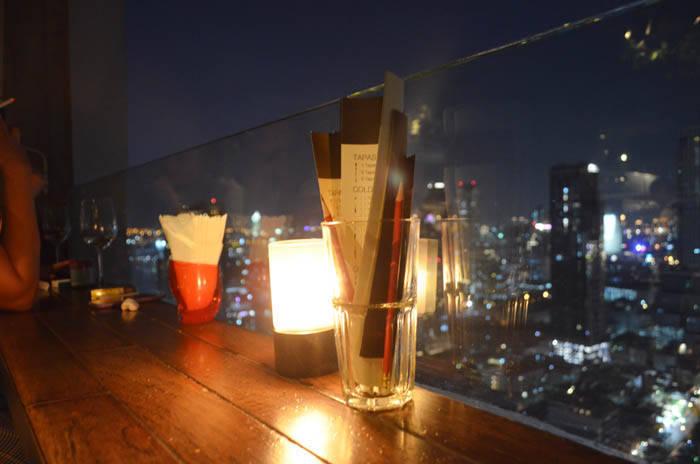 バンコクのルーフトップバー スカーレットから見る夜景