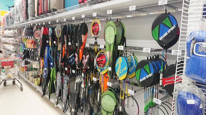 バンコクでバドミントンの道具を買う