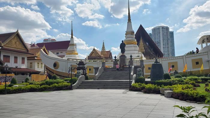 バンコクの寺院 ワット・ヤンナワー