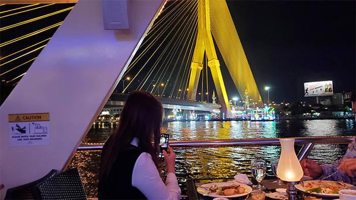 チャオプラヤー プリンセス号のディナー(Chao Phraya Princess Dinner Cruise )