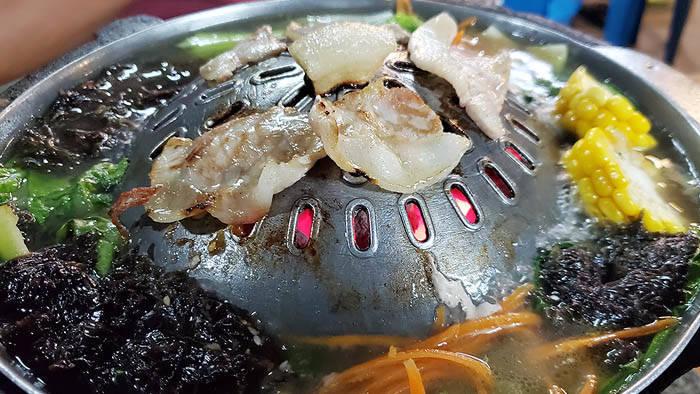 タオ島のムーガタレストラン Koh Tao Buffet BBQ