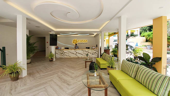 サムイ島のホテル チャバ カバナ ビーチ リゾートのロビー