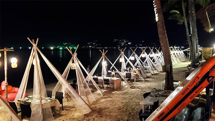 サムイ島 Moonrise Beach Bar & Seafoodの紹介
