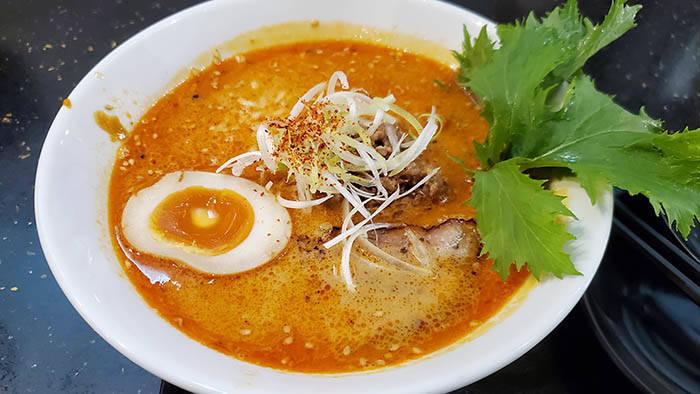 バンコクの屯ちんの坦々麺