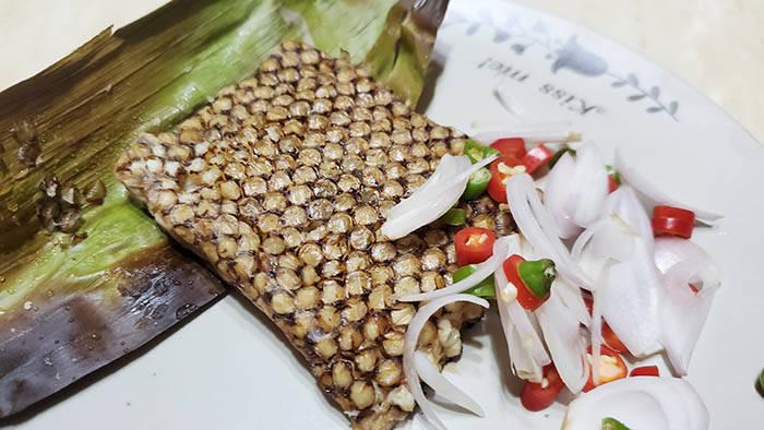バンコクのハチの巣料理 @Zaab Eli