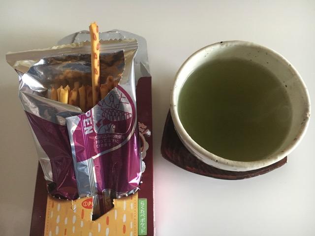プリッツと日本茶