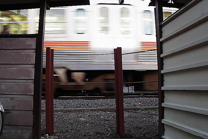 03/09(木)【愛媛県伊予郡松前町浜】 「電車」
