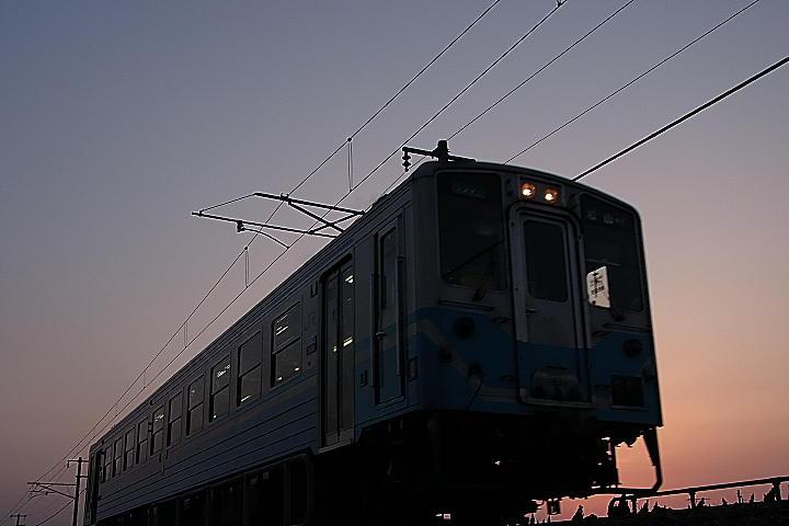 03/28(火)【愛媛県伊予市下三谷】  「電車」