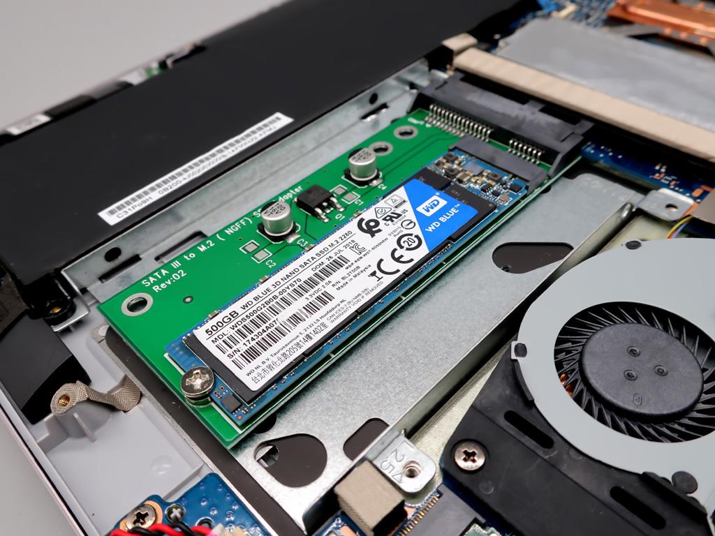 ノートPCのSSD換装