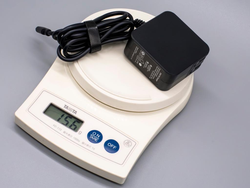 クリエイター向けWindowsタブレット「raytrektab」DG-D10IWP ACアダプター重量