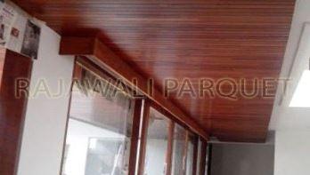 Plafon Kayu Lambersering Sebagai Penutup Atap Dan Dinding Rumah