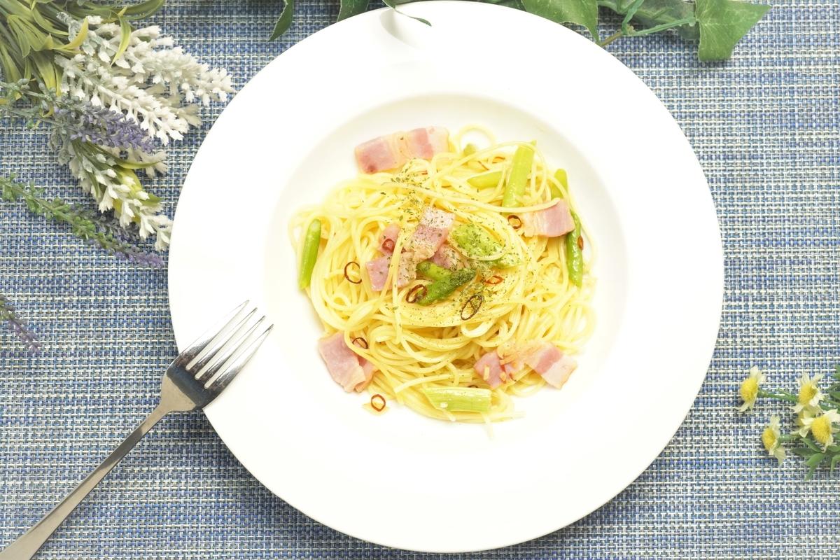 アスパラとベーコンのペペロンチーノの作り方・レシピ