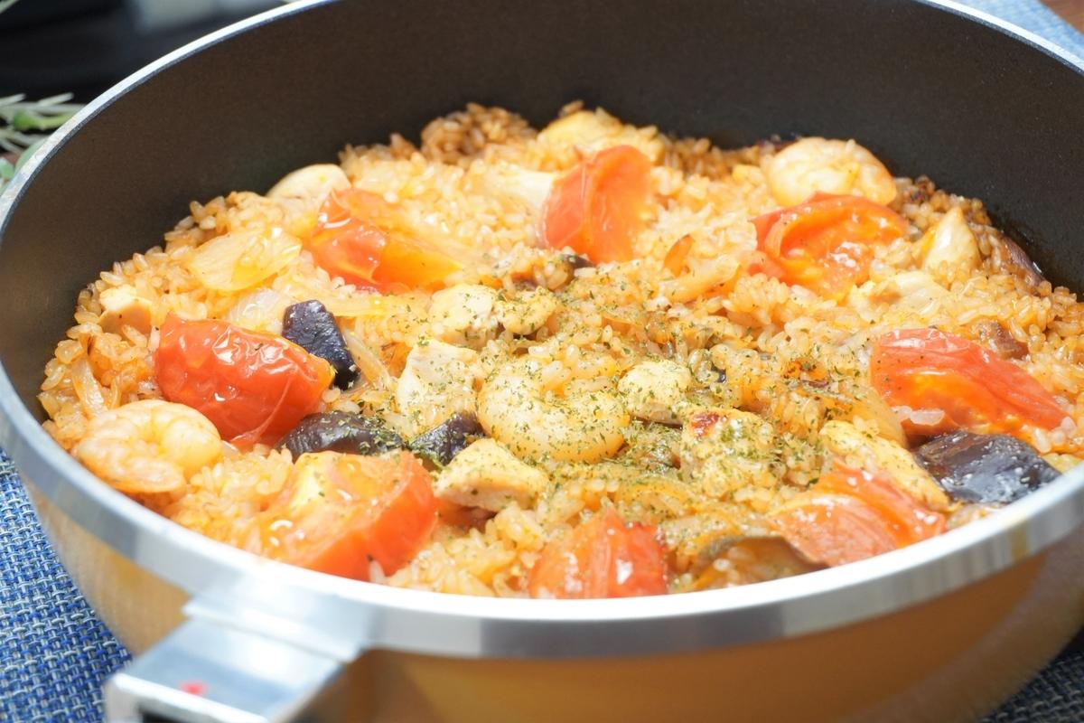 シーフードミックスとナスのトマトチキンパエリアの作り方・レシピ