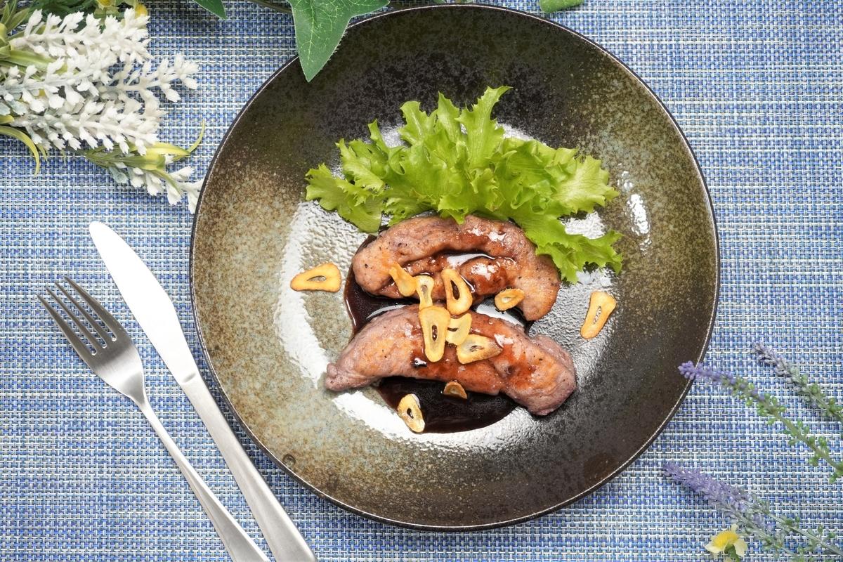 鶏ささみのガーリック赤ワインソテーの作り方・レシピ