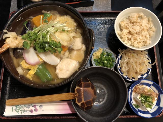 敷島の鍋焼きうどん