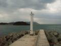 久米島・鳥島漁港堤防の灯台にて