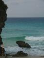 砂山ビーチのシーズンオフは静寂で波の音だけが