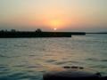 宮古島・平良港に沈む夕日