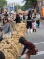 コザ国際カーニバルは国際色豊かに人の波