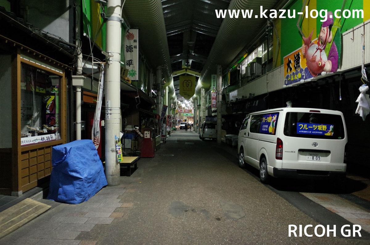 夜の近江町市場1(RICOH GR)