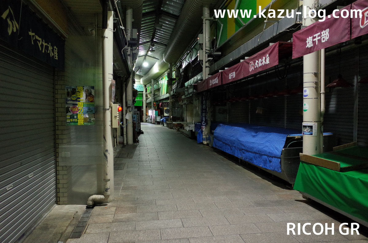 夜の近江町市場2(RICOH GR)
