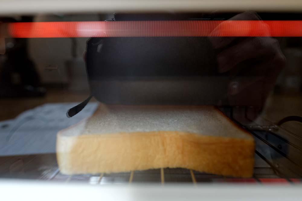 加熱開始 バルミューダトースト