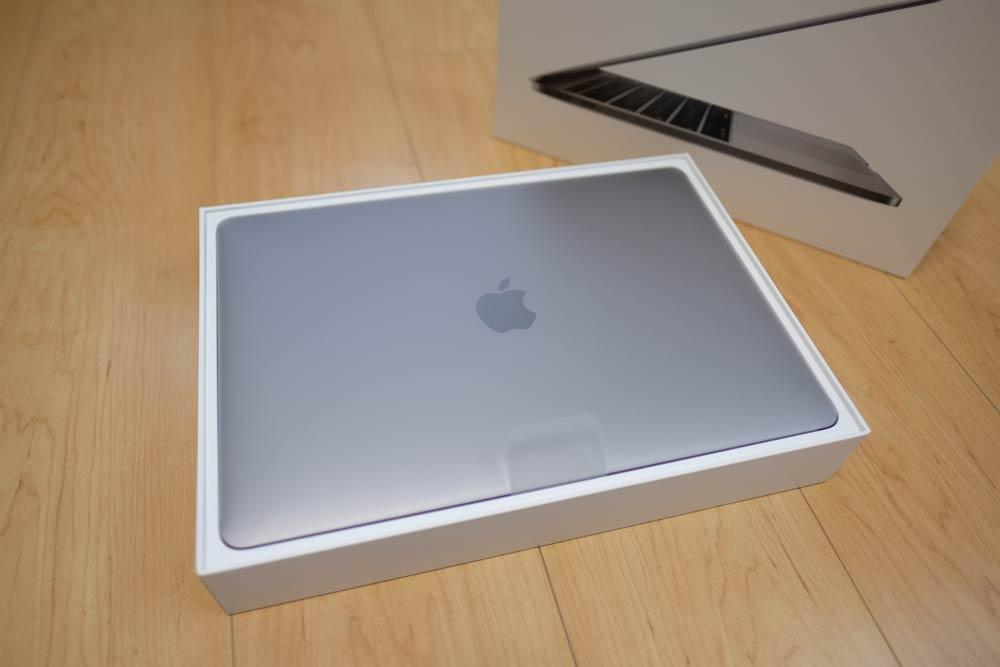MacBook Pro 13 本体