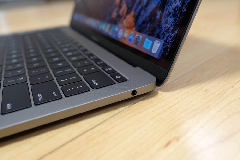 MacBook Pro 13 ヘッドフォンジャック