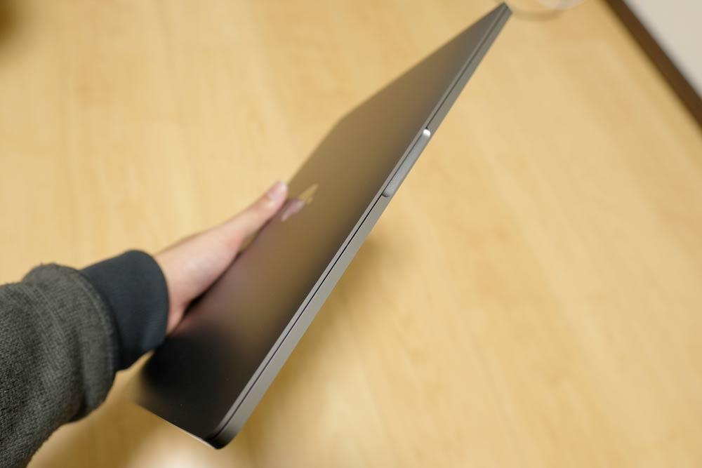 13インチMacBook Pro 持ちはこび