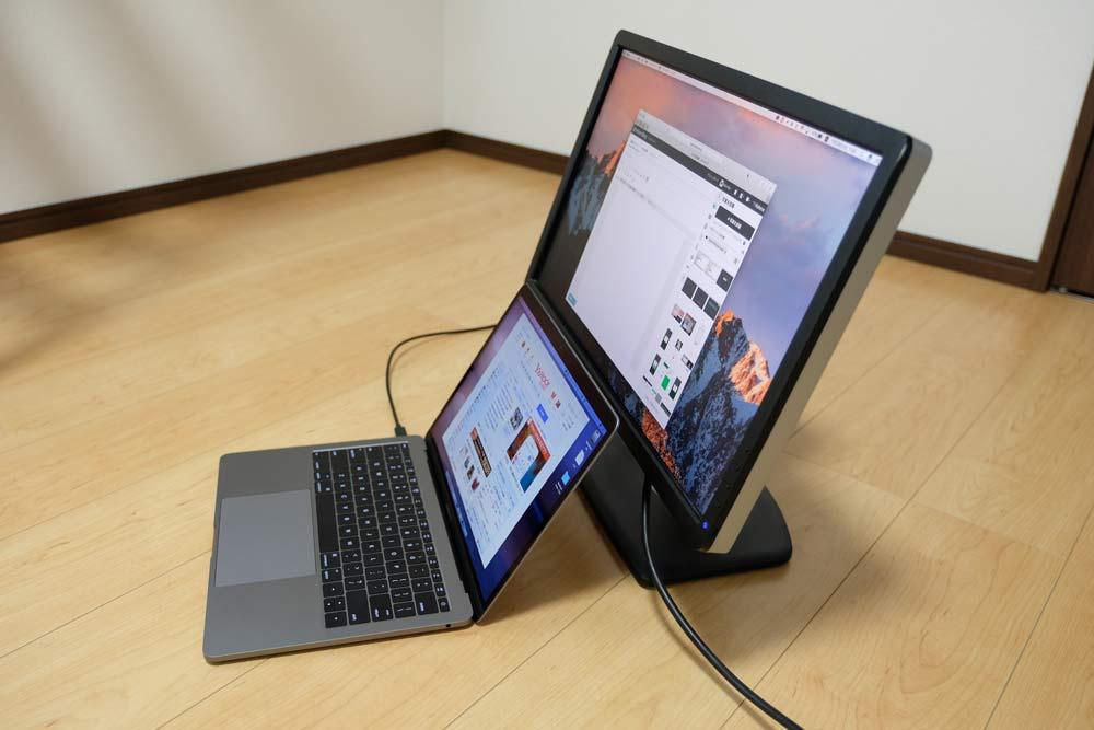 13インチMacBook Proと外部ディスプレイ2
