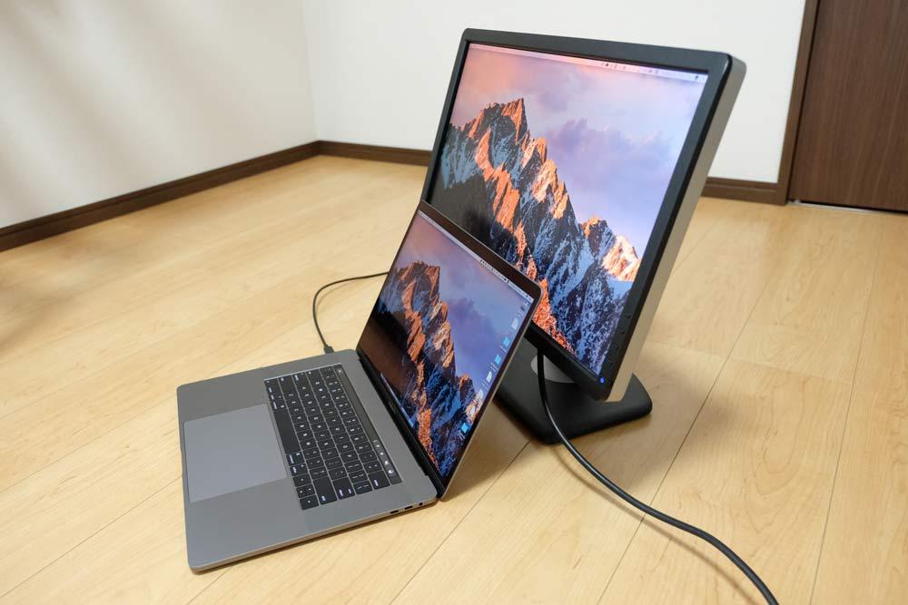 15インチMacBook Proと外部ディスプレイ2