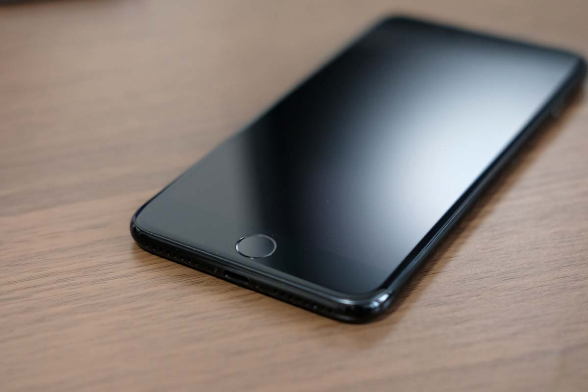 iPhone7 画面が真っ暗に