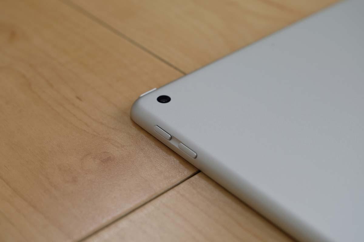 iPad(第5世代)iSightカメラ