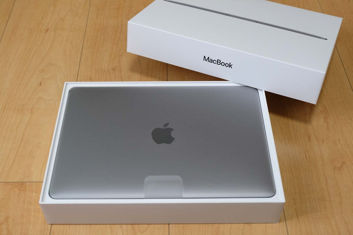MacBook 開封