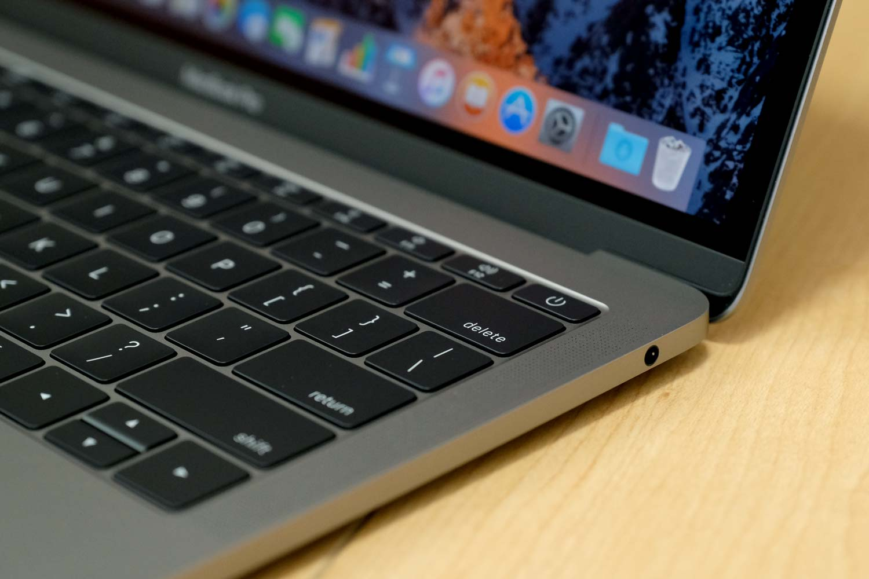 13インチMacBook Pro 2017 ヘッドフォンジャック