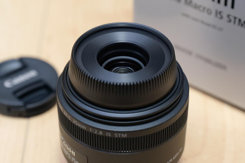 EF-S35mm F2.8 マクロ レンズフード装着