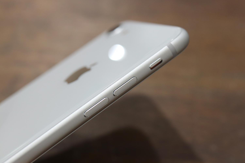 iPhone8 ボリュームボタン