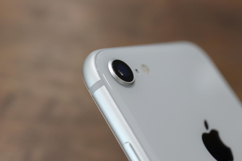 iPhone8 カメラレンズ