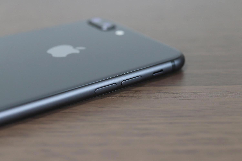 iPhone 8 Plus 背面デザイン