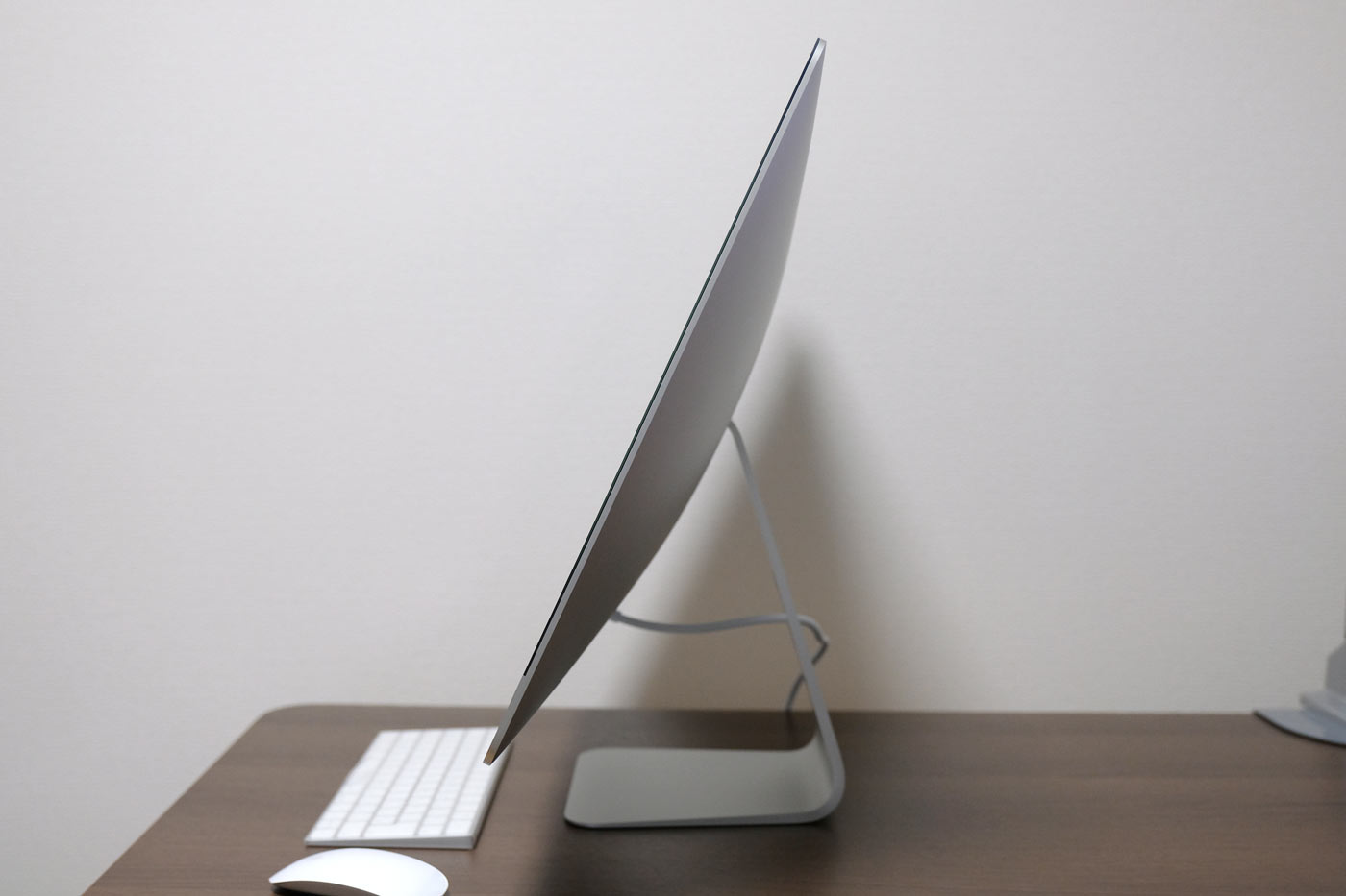 27インチiMac 5K 角度上