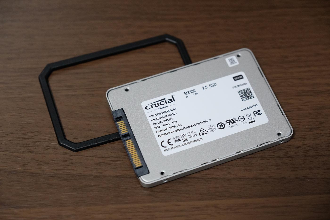 Crucial [Micron製] MX300 外観