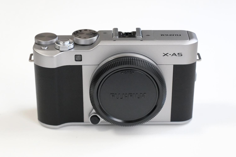 FUJIFILM X-A5 外観デザイン 正面