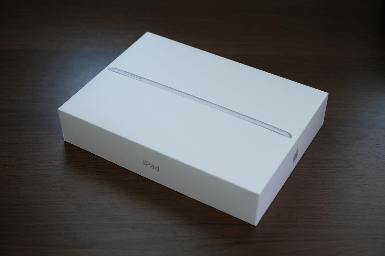 iPad(第6世代)パッケージデザイン