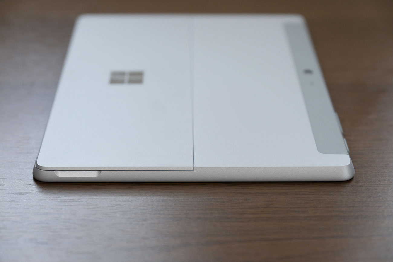 Surface Go 左サイド